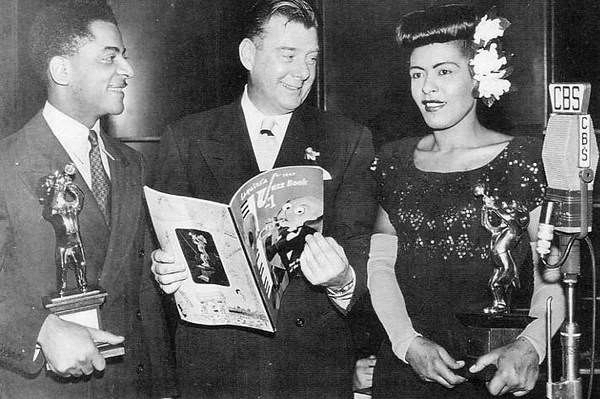 Billie-Holiday-and-Teddy-Wilson-receiving-their-Esquire-award-from-Arthur-Godfrey-New